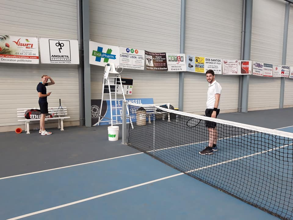 Beauvais Oise Tennis match avec les adhérents